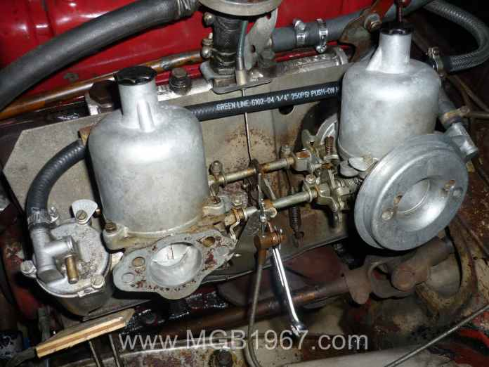1967 MGB GT SU HS4 carburetors