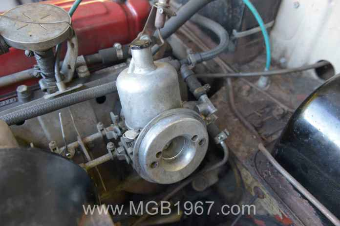 MGB carburetor feel good photo