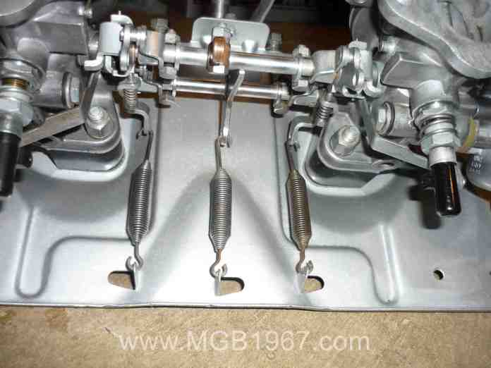 MGB GT carburetor throttle spring location