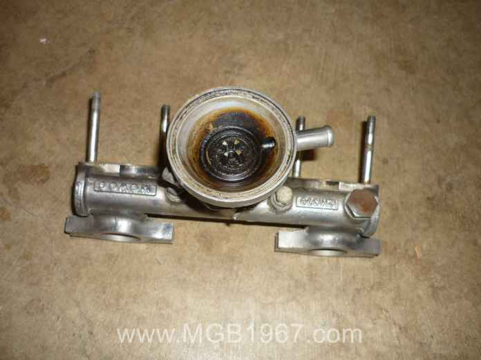 MGB crankcase ventilation valve before cleaning