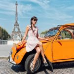 Citroën 2CV in front of Eiffel Tower