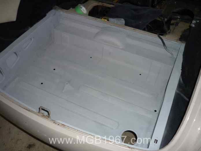 MGB GT trunk after primer