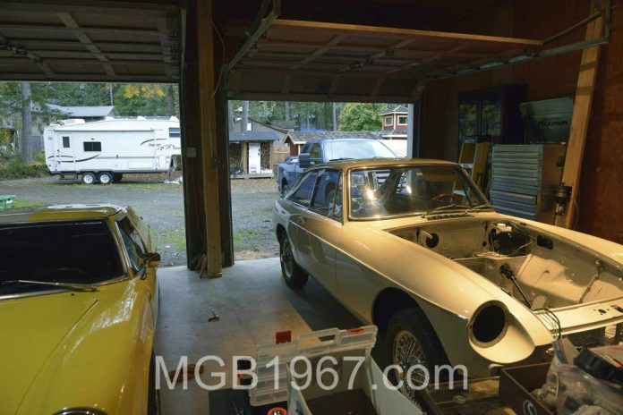 MGB GT and Lotus Europa