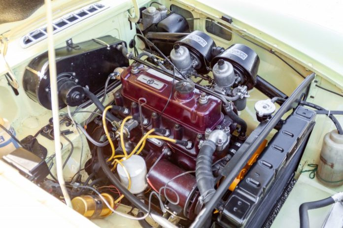 1967 MGB GT engine