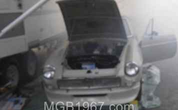 MGB GT burning oil on engine start