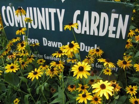 Community Garden sign at Glencarlyn