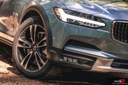 2018 Volvo V90 CC Cross Country-8