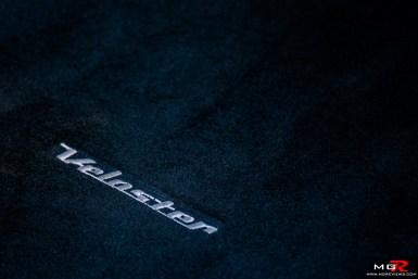 2019 Hyundai Veloster Turbo-23