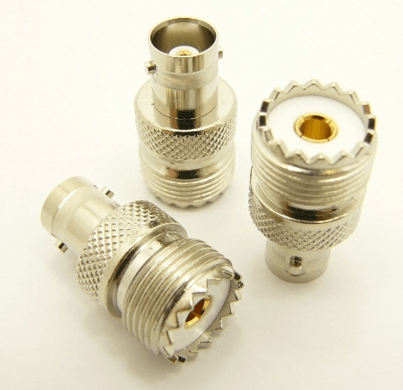 UHF-female / BNC-female Adapter (P/N: 7074)
