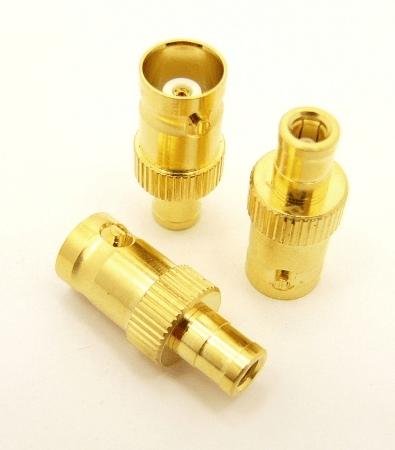 BNC-female / SMB-male Adapter (P/N: 7104)