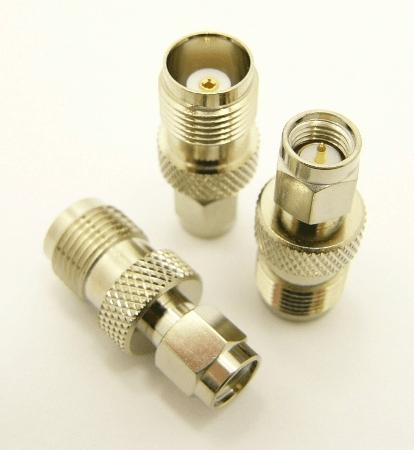 SMA-male / TNC-female Adapter (P/N: 7826)