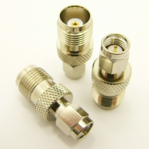 SMA-male / TNC-female Adapter (P/N: 7826)