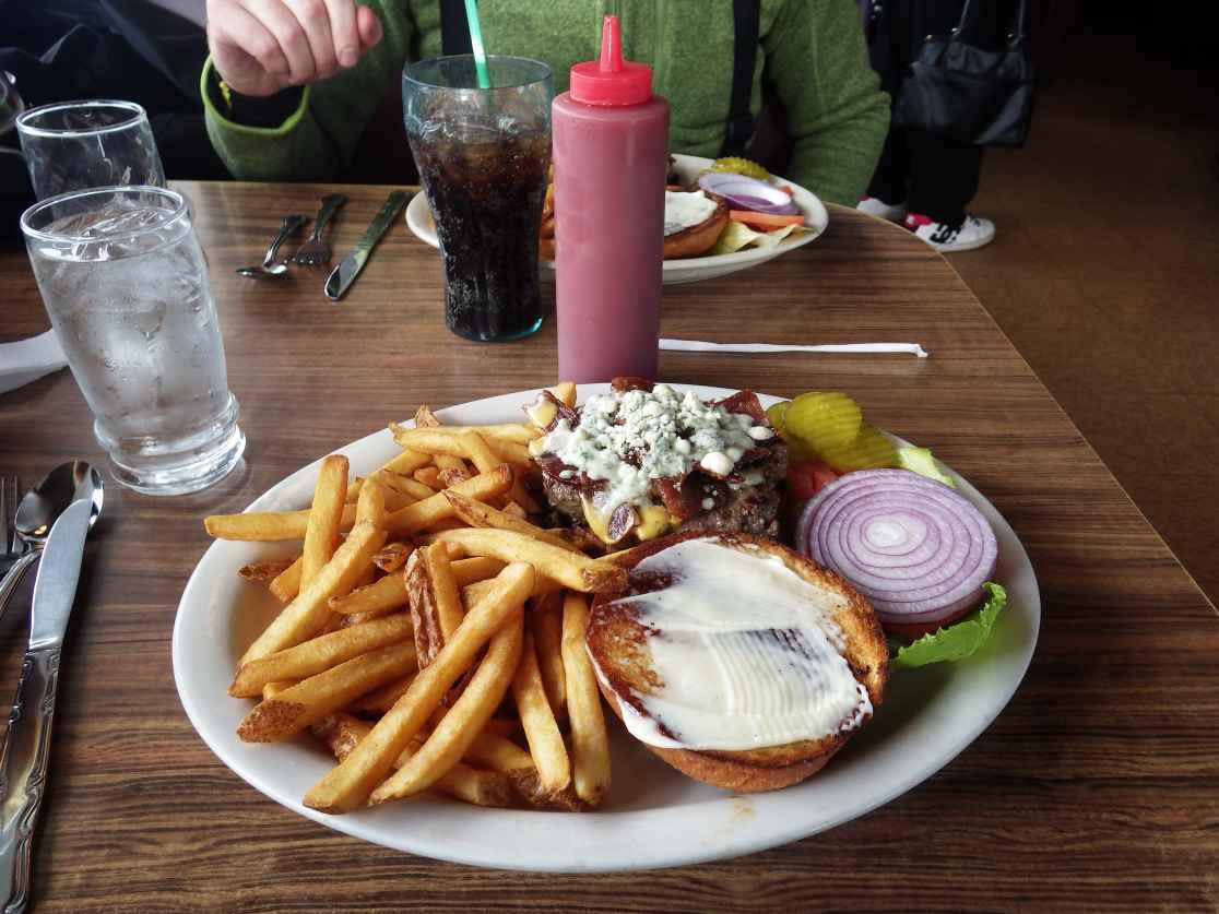 MMmmmmmmmm... Burger!