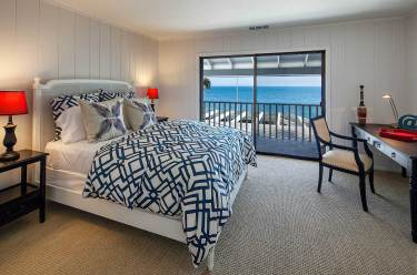 leesa-wilson-goldmuntz-beach-house-bedroom-2