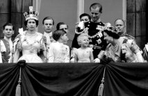 Queen Elizabeth, Prince Charles, Princess Anne, Prince Philip, The Queen Mother and the Duke of Gloucester on the balcony of Buckingham Palace