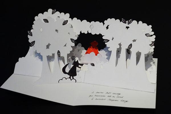 """Maquette du projet de livre """"Variation pour un loup et un jardin potager"""", réalisée pendant la formation © Institut du Pop-up – Michel Ferrier"""
