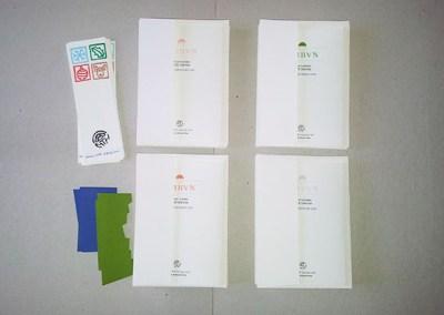 Mise sous enveloppe des cartes Arbres cèdres