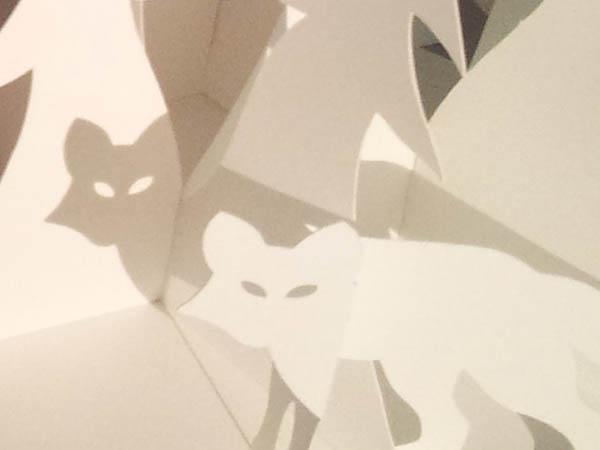 Décorations de Noël, motif renard en papier blanc, ombre projetée sur sapin