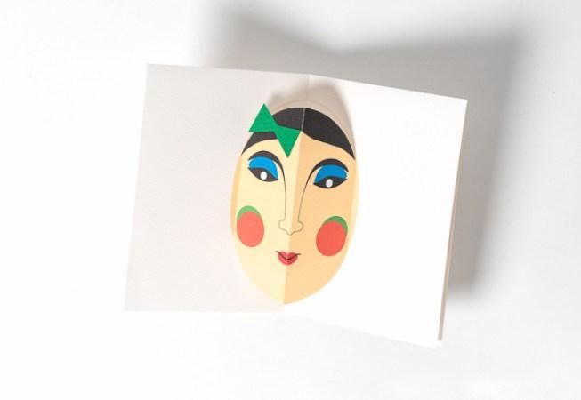Carte Masque du Vietnam, modèle M'dame Joli minois, vue de dessus