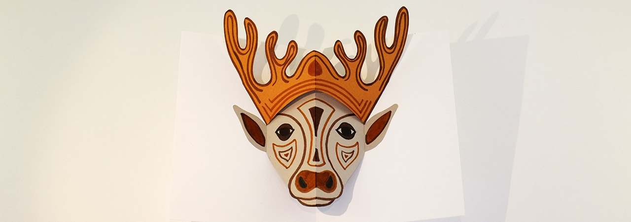 Atelier pop-up autour du masque, modèle avec cerf