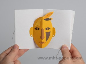Livre d'artiste accordéon Masques pop-up, Indien jaune