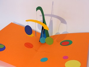Atelier pop-up autour de Calder avec mobile à balancier
