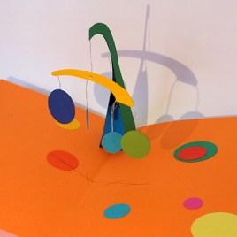 Atelier pop-up autour de Calder avec mobile à balancier