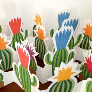 Frise Fleur de cactus, 5 panneaux découpés, 4 frises dépliées mises en espace, détail