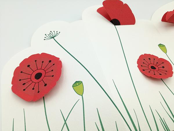 Frise décorative en 3 panneaux avec fleurs de coquelicot, détail des motifs