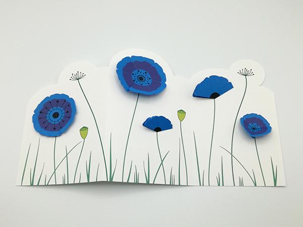 Frise décorative en 3 panneaux avec fleurs de pavot, vue de dessus