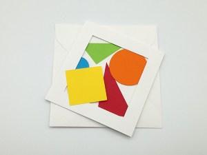 Cartes pop-up en triptyque accordéon, motifs géométriques multicolores, carte et enveloppe