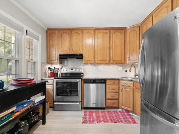 Photo of 4553 Maxfield Dr, Annandale, VA