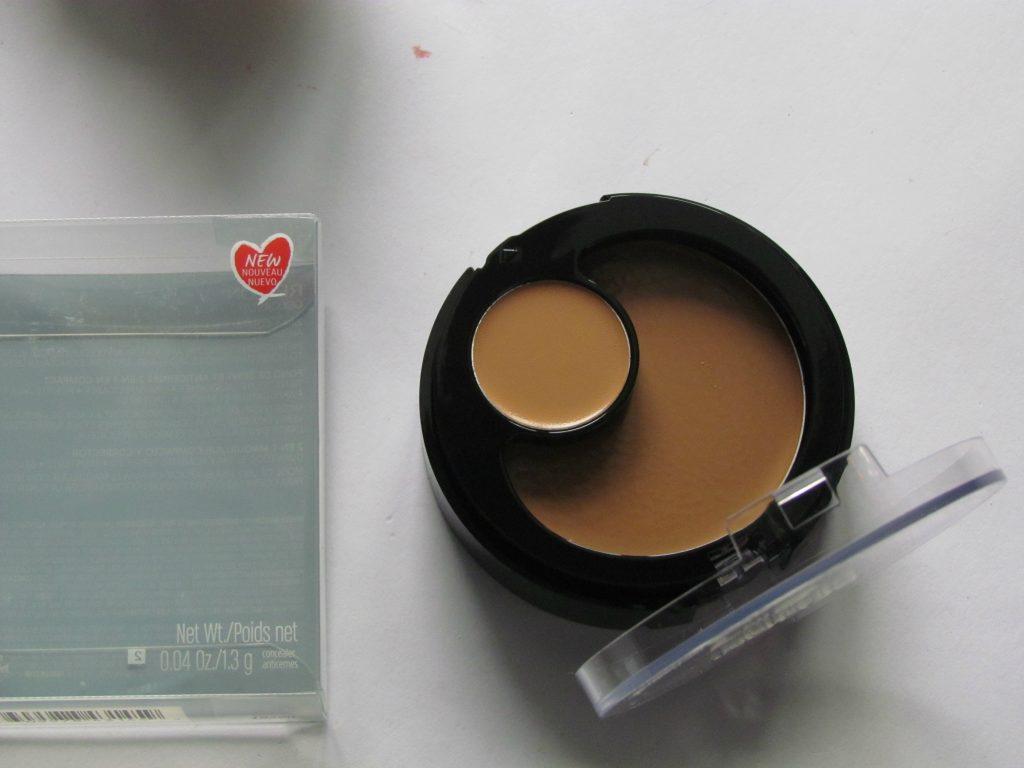 Revlon_Colorstay_2-in-1_Compact Makeup&Concealer_004