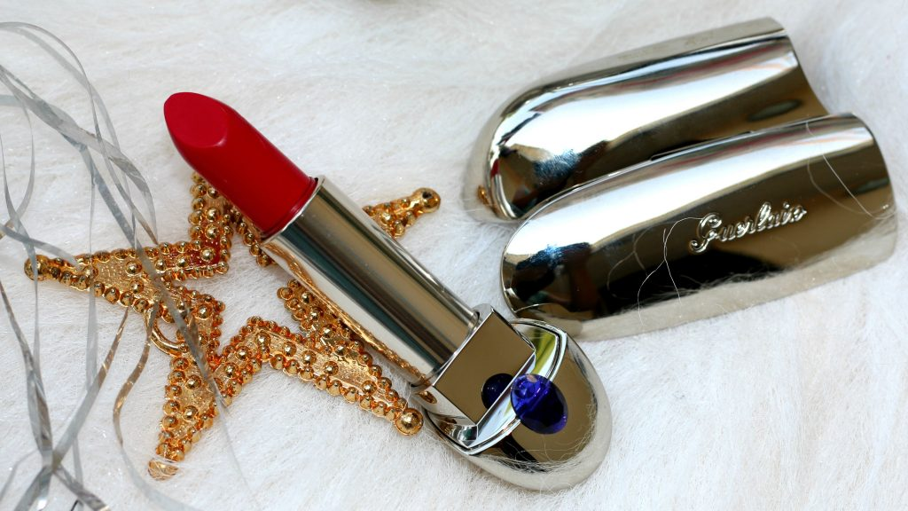 Guerlain Rouge Exceptional Complete Lipstick - 821 Rouge Saphir Swatch