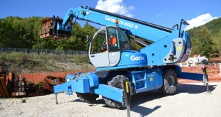 New Genie® GTH™-5021 R rotating telehandler helps buid tunnel in Italy