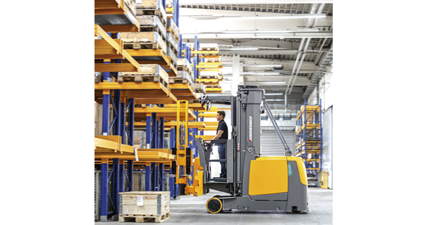 Jungheinrich unveils revolutionary 'two shifts, one charge' Kombi Stacker