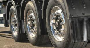 Goodyear FUELMAX truck tyres contribute to savings in Mercedes-Benz Efficiency Run 2015