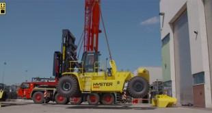 2-part stevedoring forklift for lifting in ships' hull
