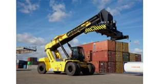 Hyster receives GOOD DESIGN™ Award for efficiency and productivity enhancing stage IV ReachStacker
