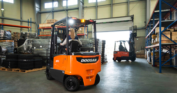 Doosan launch new electric 80-volt counter balance series forklift trucks