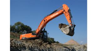 UK's first Doosan DX490LC-5 50 t Excavator at Hydrock