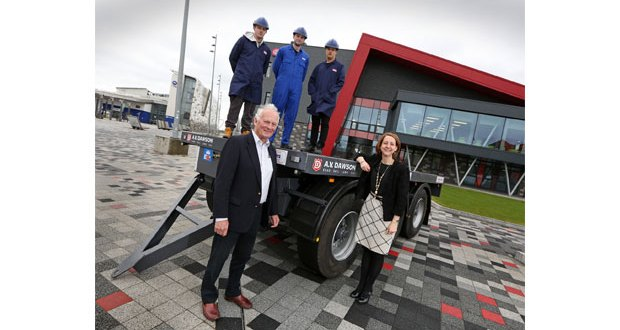 Logistics firm AV Dawson delivers £10,000 trailer for college apprentices