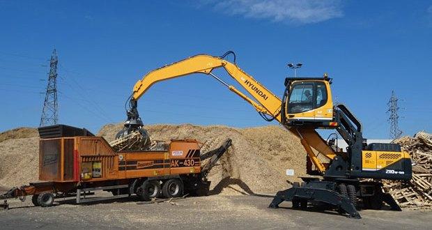 A new Hyundai R210W-9A 'Canard en Caoutchouc' material handler for Burban Pallettes!