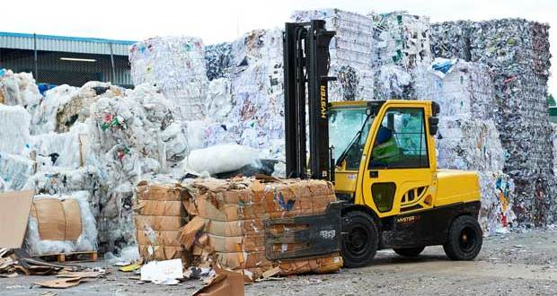 Hyster Cool Truck for demanding waste and recycling industries
