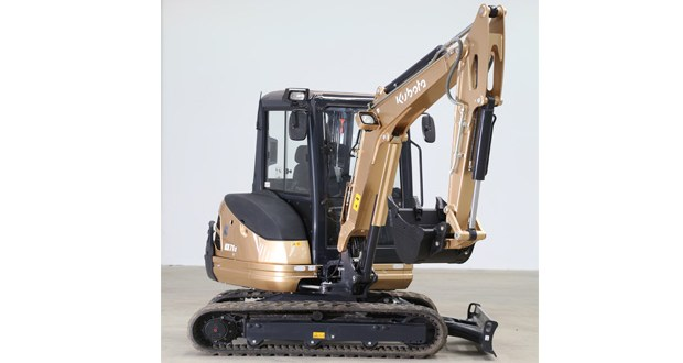 Kubota UK donates its special edition 'Gold Digger' to construction charity The Lighthouse Club