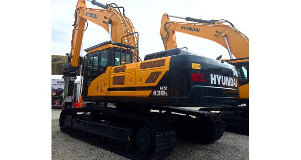 Hyundai hillhead 2016 introduces the brand new HX430 L crawler excavator