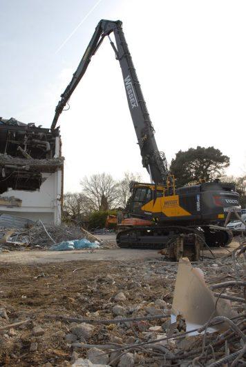 Volvo EC480E High Reach demolition machine