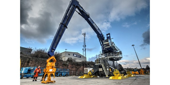 New crane to boost productivity at ABP Port of Garston supplied by Cooper Specialised Handling