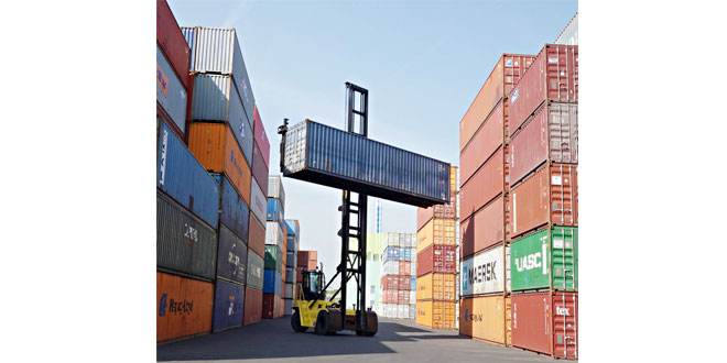 Carbon neutral container terminal trials Hyster Empty Container Handler