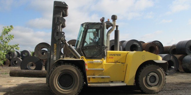 450 degree C COILS GET LIFTED BY 30 TONNE TRUCK WITH CHAINLESS MAST